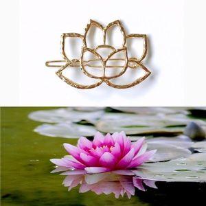 Accessories - Gold Lotus Flower Hair Clip